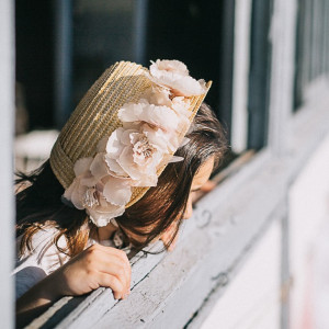 Capota con flores rosas