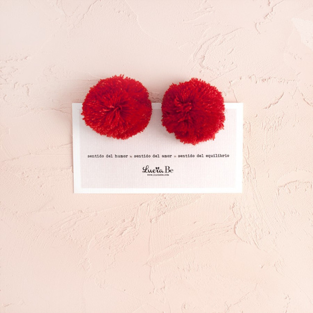Poms lana rojos