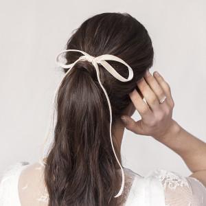 Lazo de terciopelo novia