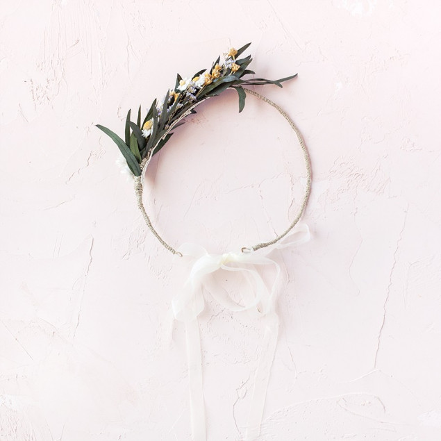 Corona Mia - semicorona de eucalipto y margaritas