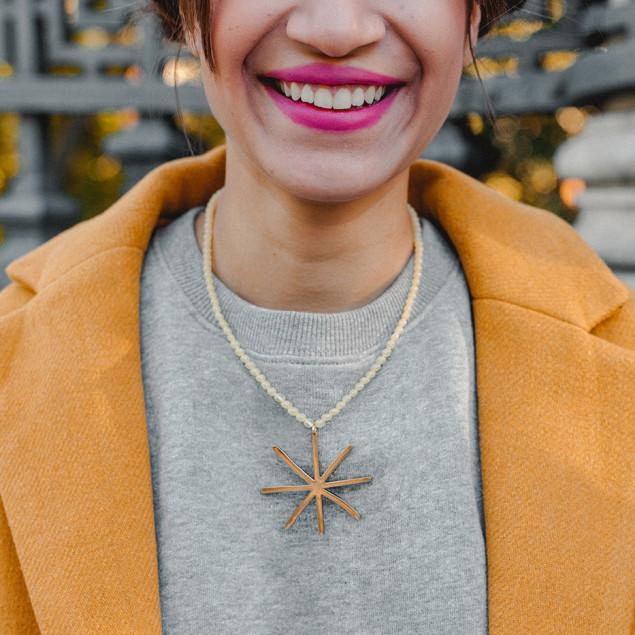 Collar Halley Bolas amarillas con estrella en dorado