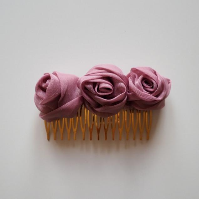 Peineta de muselina rosa
