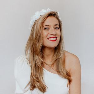 Tiara Meryl Novia